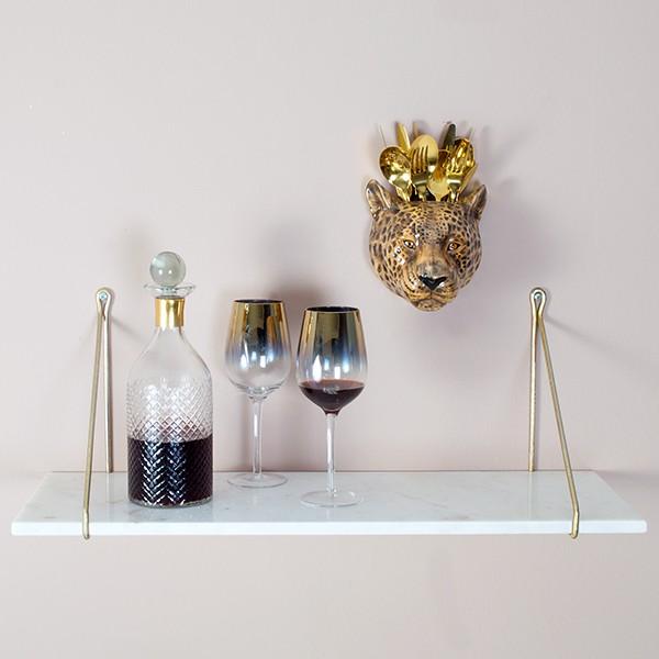 white-marble-shelf-with-brackets-8513